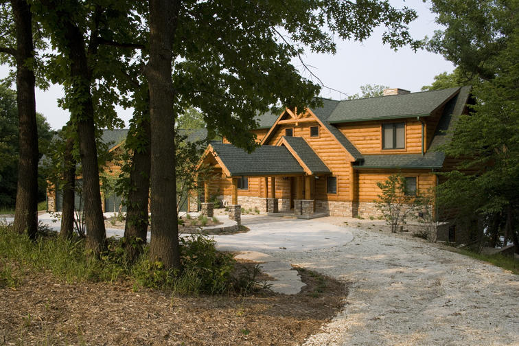 Fourwinds Lodge by Wisconsin Log Homes 18