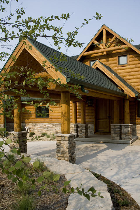 Fourwinds Lodge by Wisconsin Log Homes 22