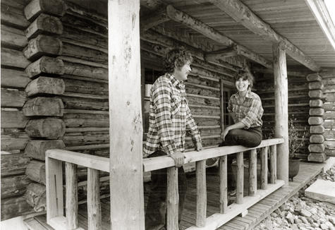 Dave & Kathy Janczak in 1976 after building their first log home.